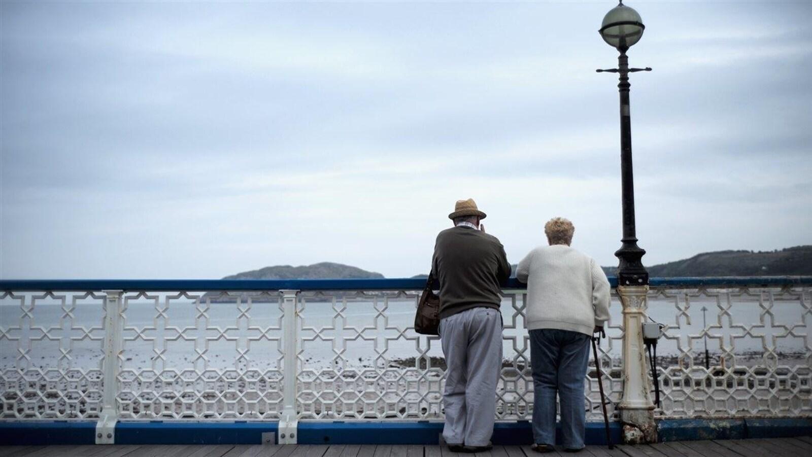 Selon le sondage, 95 % de Québécois jugent que l'isolement des aînés influe sur leur état de santé.