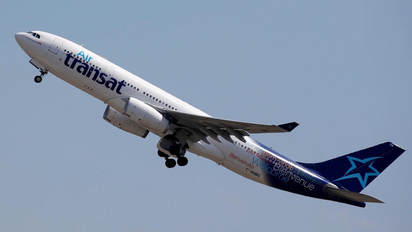 Un Airbus A330 dans les airs.