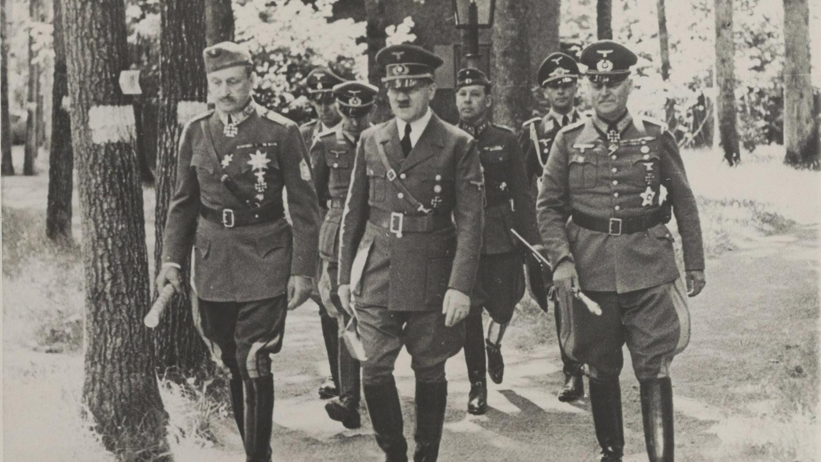 Mélenchon veut que les pensions aux ex-collaborateurs nazis soient interdites
