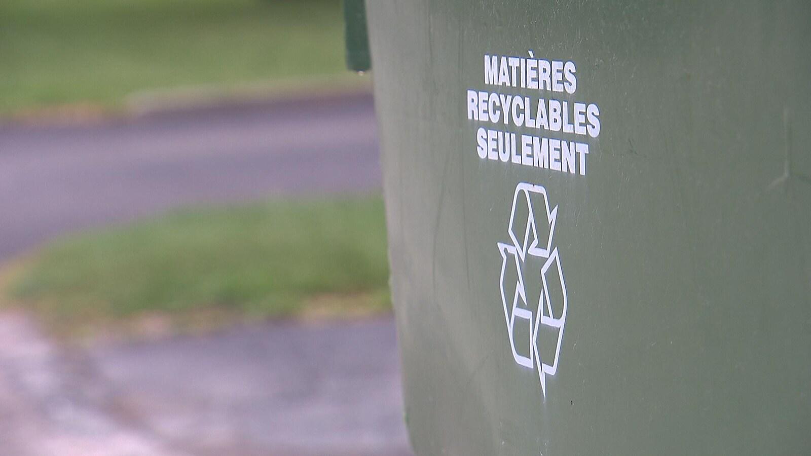 Un bac de recyclage