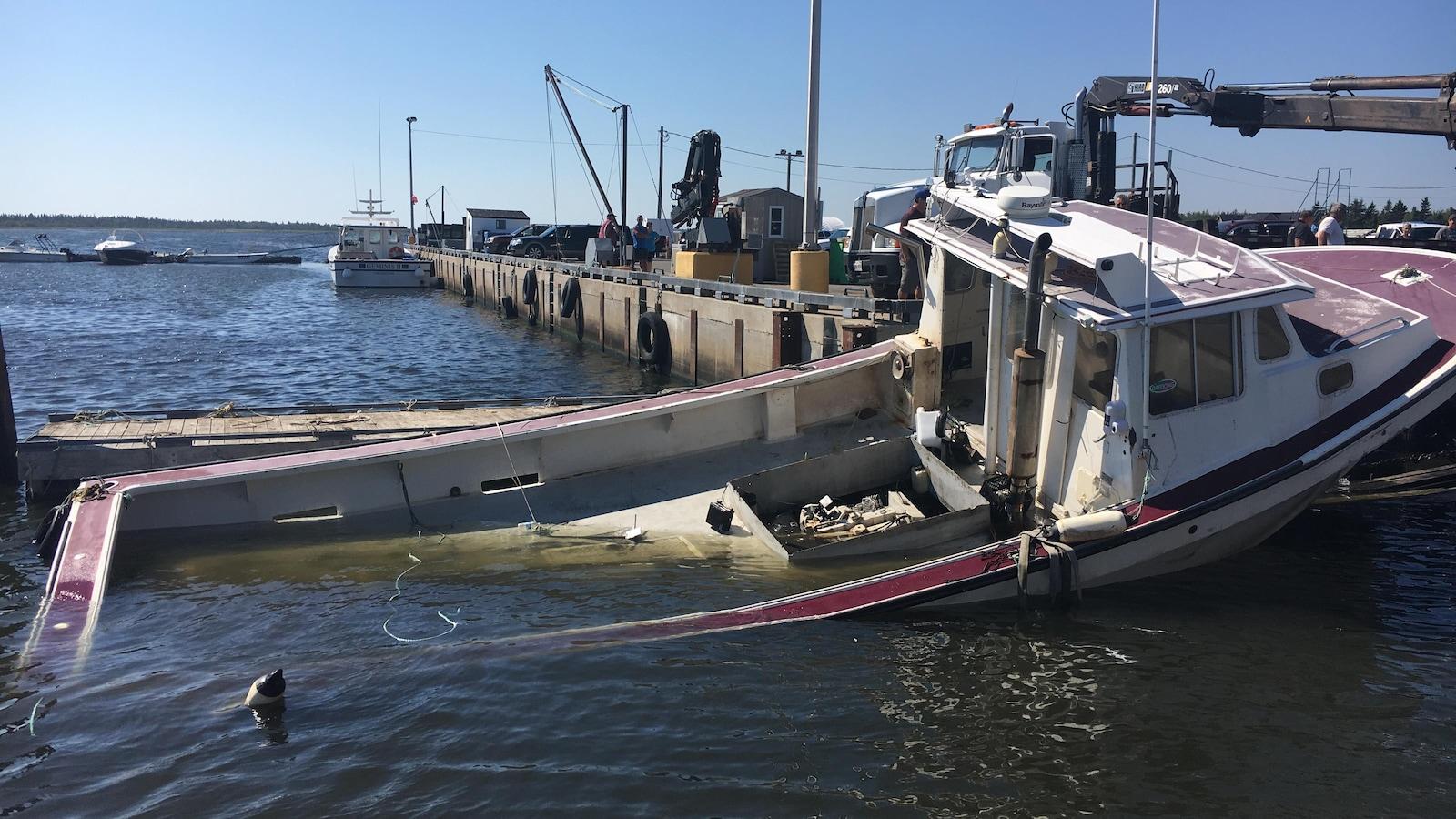 Trois bateaux ont coulé au quai de Neguac samedi matin.