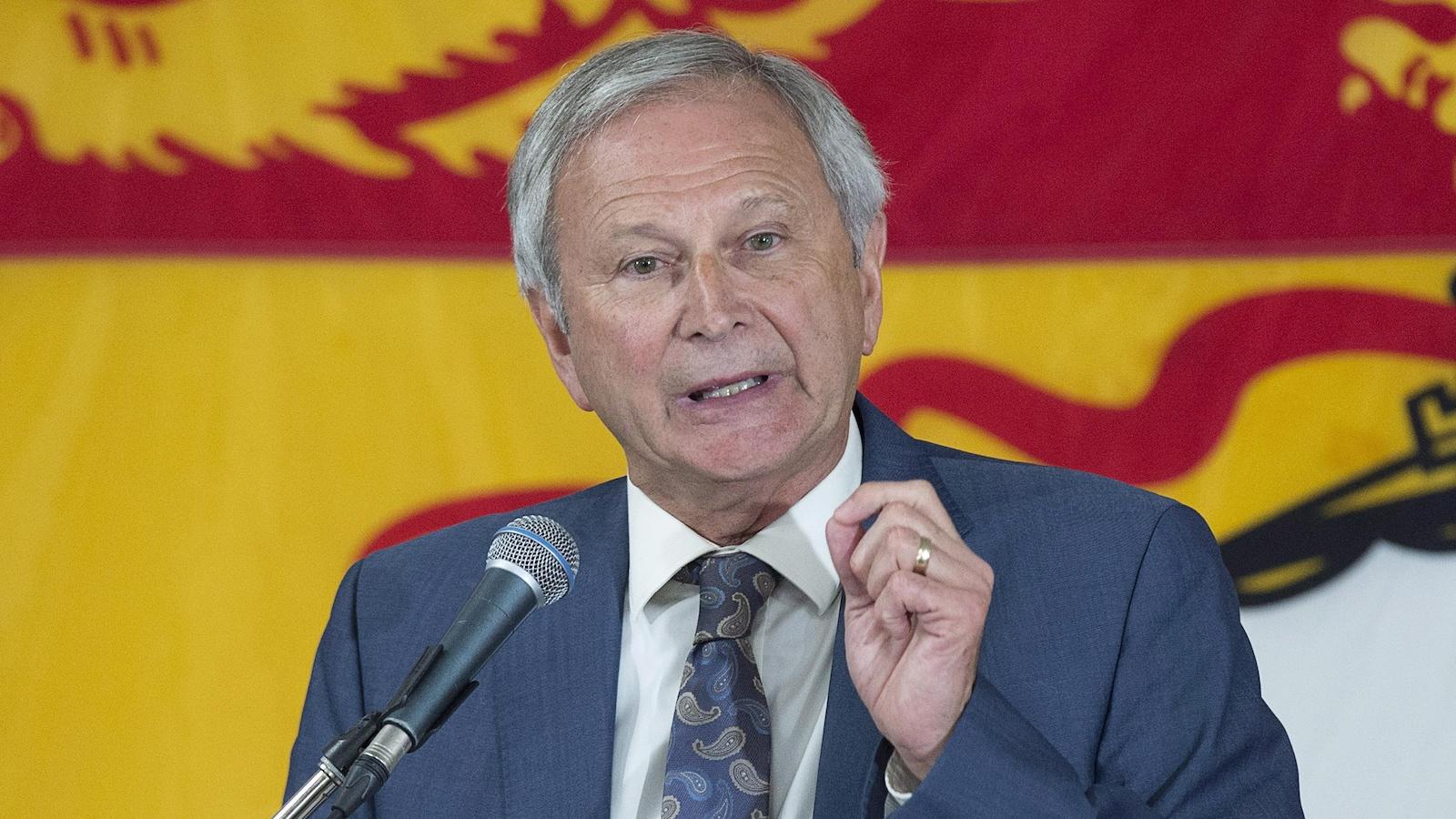Le chef des progressistes-conservateurs du Nouveau-Brunswick, Blaine Higgs, s'adresse à ses partisans dans les locaux du parti à Quispamsis, le 24 septembre 2018.