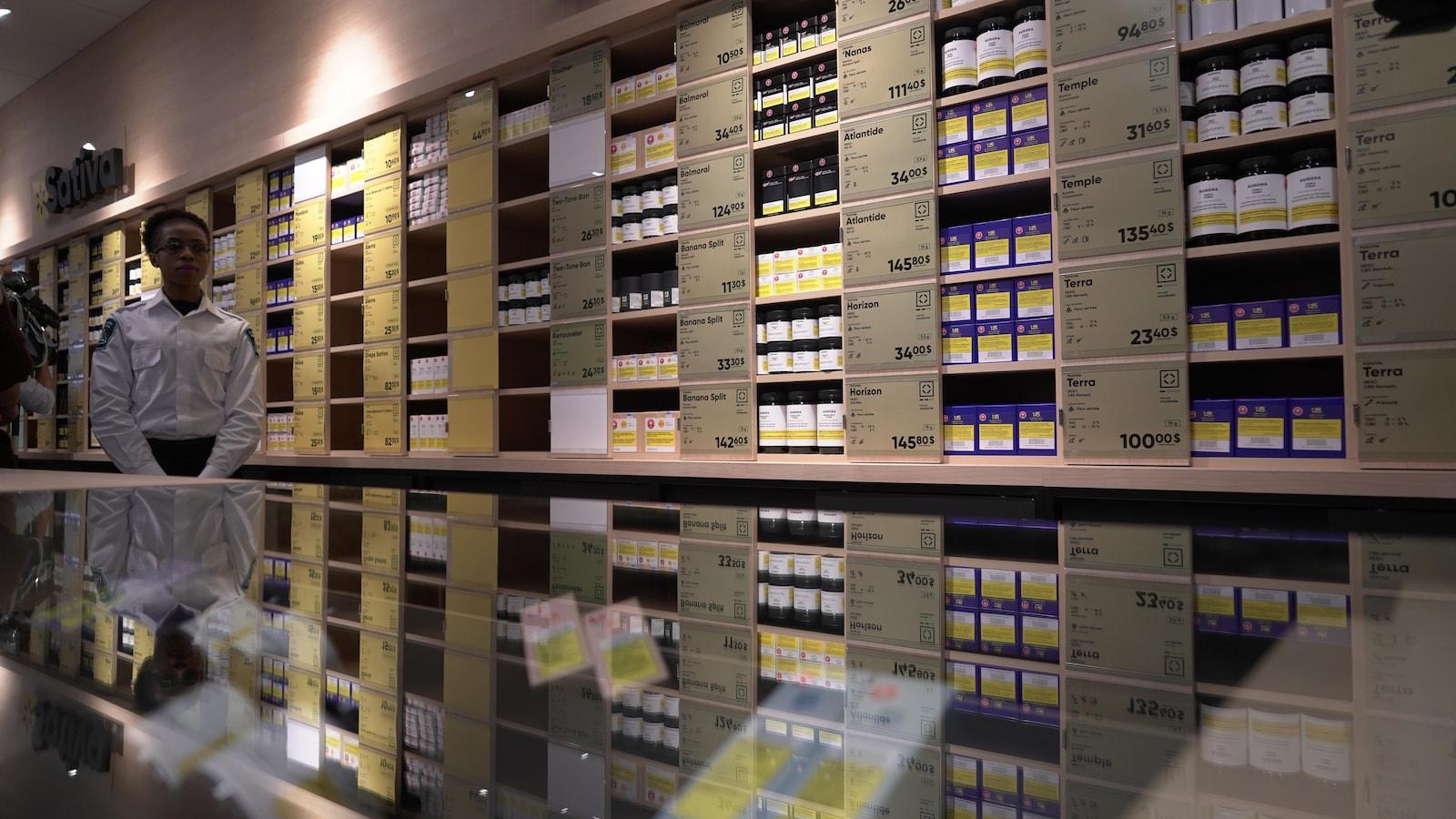 L'aire de vente d'une boutique de la SQDC.