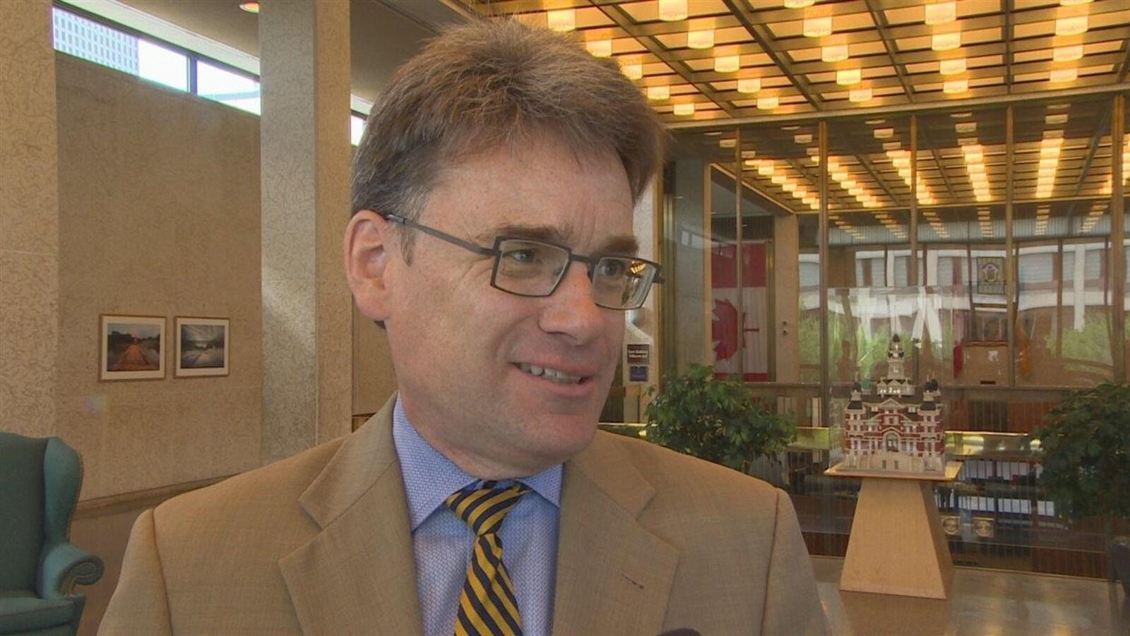 Le conseiller municipal de Saint-Vital, Brian Mayes.