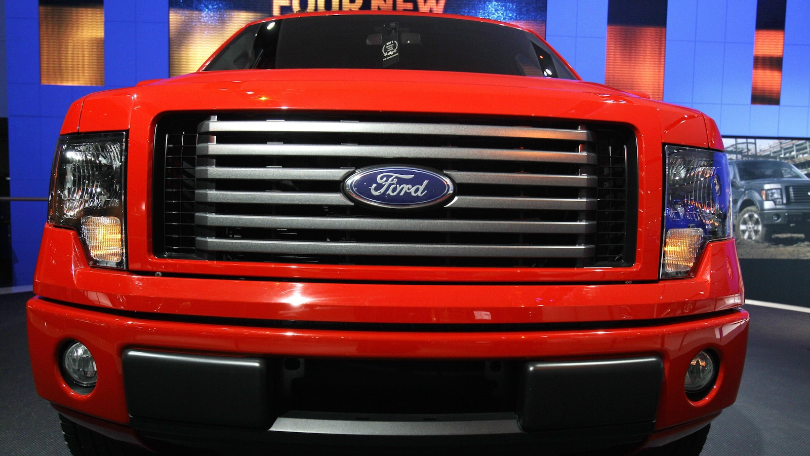 Une camionnette Ford F-150 2011.