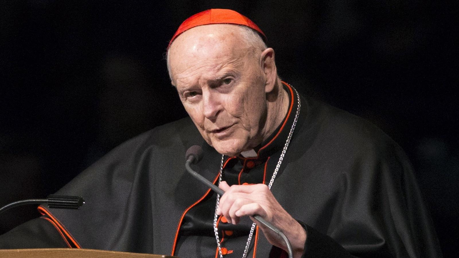 Le pape ordonne une enquête sur l'ancien cardinal américain Theodore McCarrick.