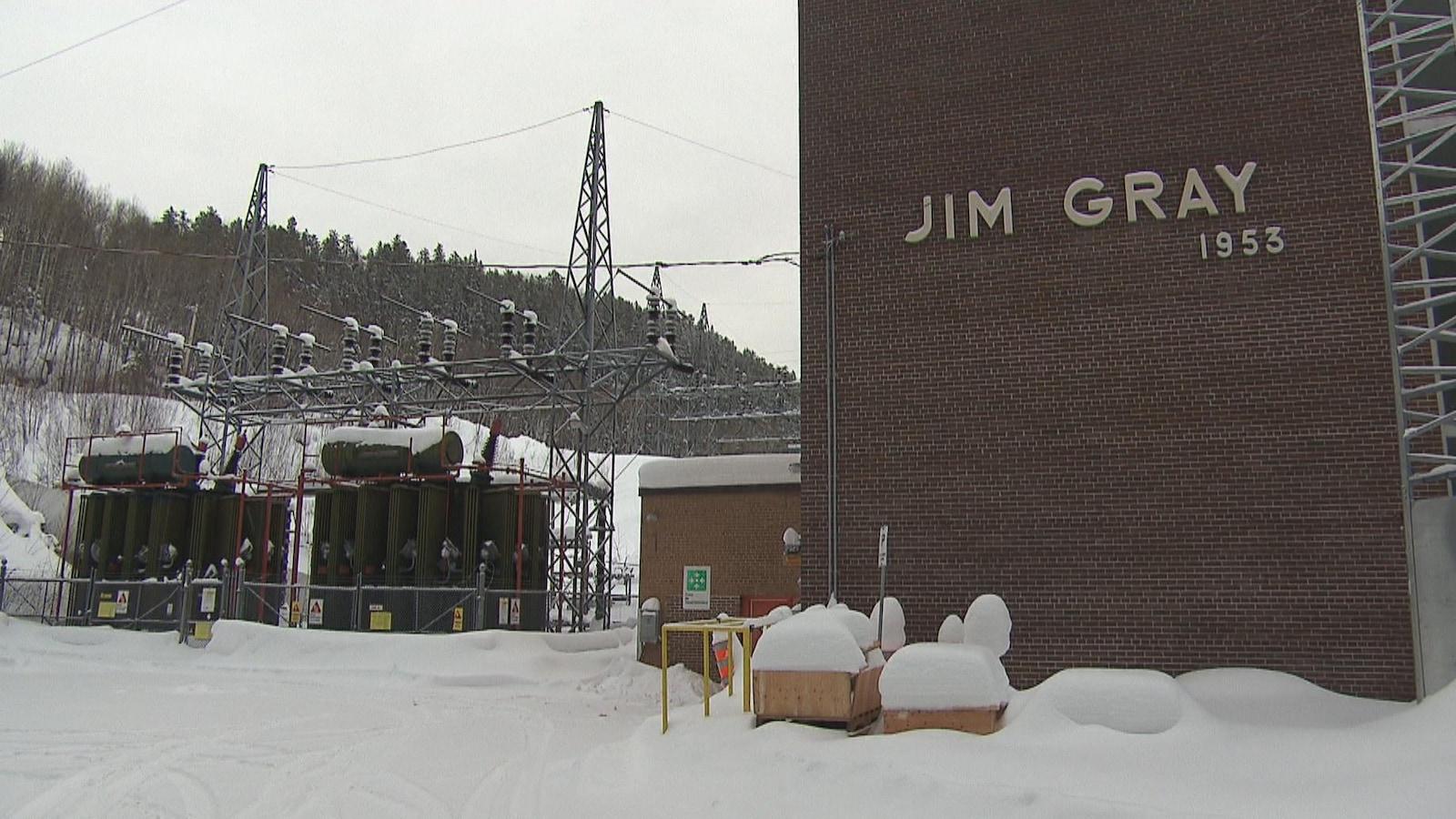 La centrale Jim-Gray en hiver