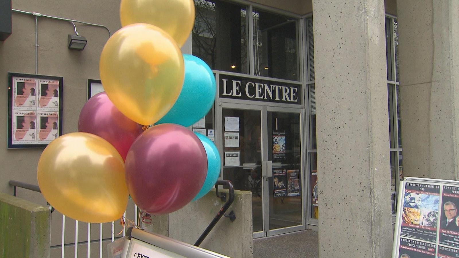 L'entrée de la Maison de la Francophonie qui abrite le Centre culturel francophone de Vancouver.