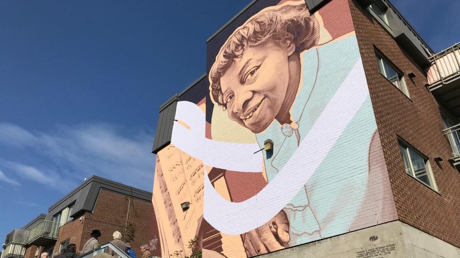 La murale en hommage à Daisy Peterson Sweeney.