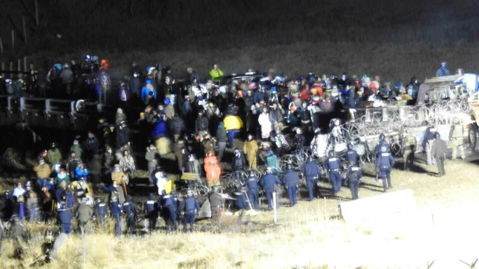 Affrontements entre policiers et manifestants au Dakota du Nord