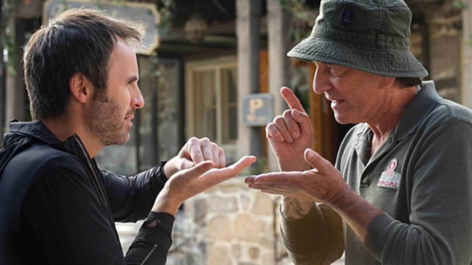 Louis-José Houde et Michel Coté dans une scène du film « De père en flic 2 »