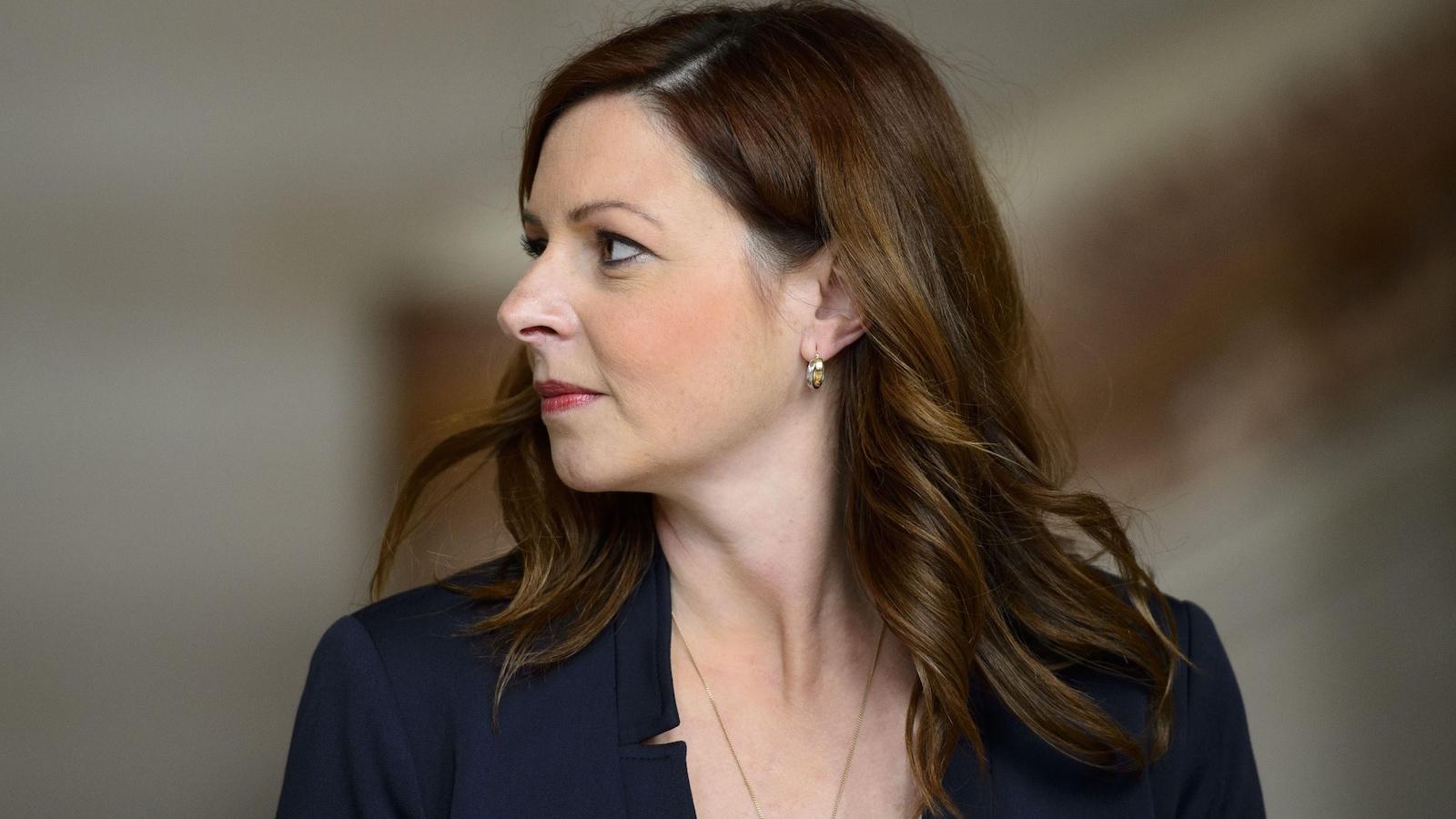 Une photo de la journaliste de Radio-Canada Marie-Maude Denis dans le foyer de la Cour suprême du Canada.