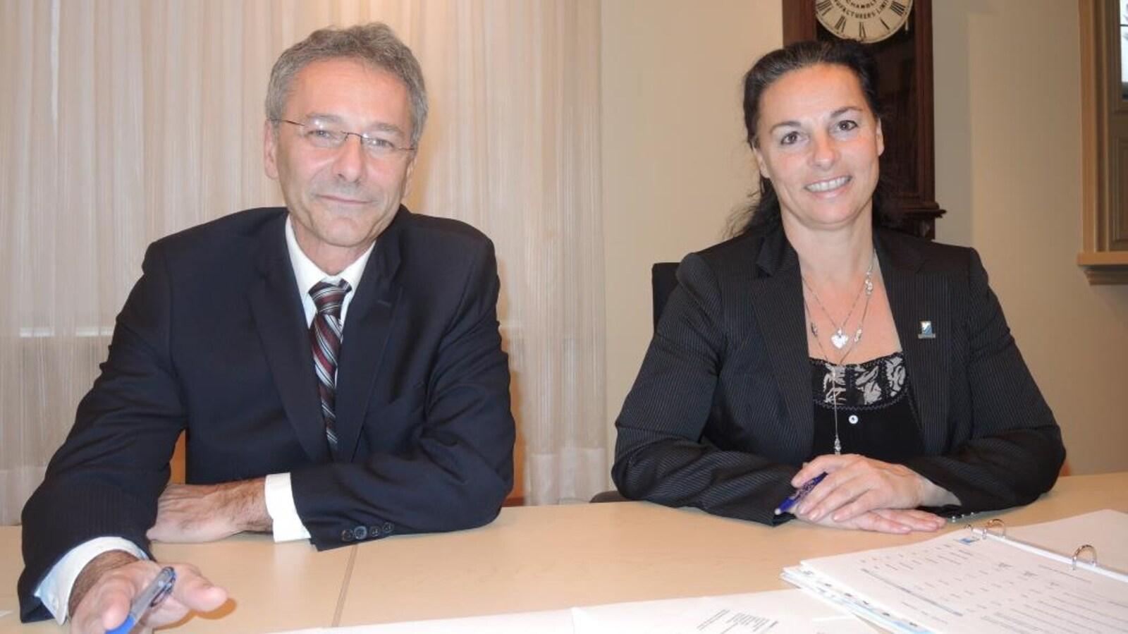 Denis Lavoie et Annie Nepton assis côte-à-côte