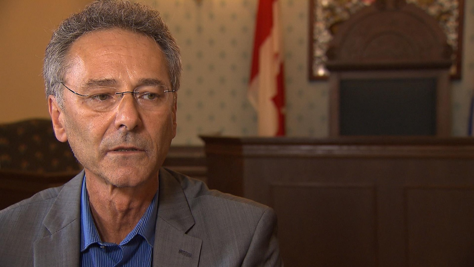 Denis Lavoie dans l'hôtel de ville de Chambly