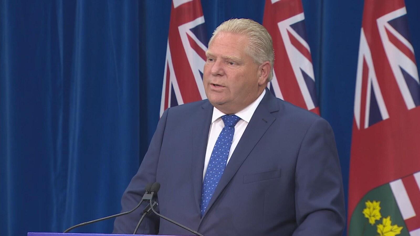 Doug Ford annonce que sa première mesure sera de sortir l'Ontario du marché du carbone.