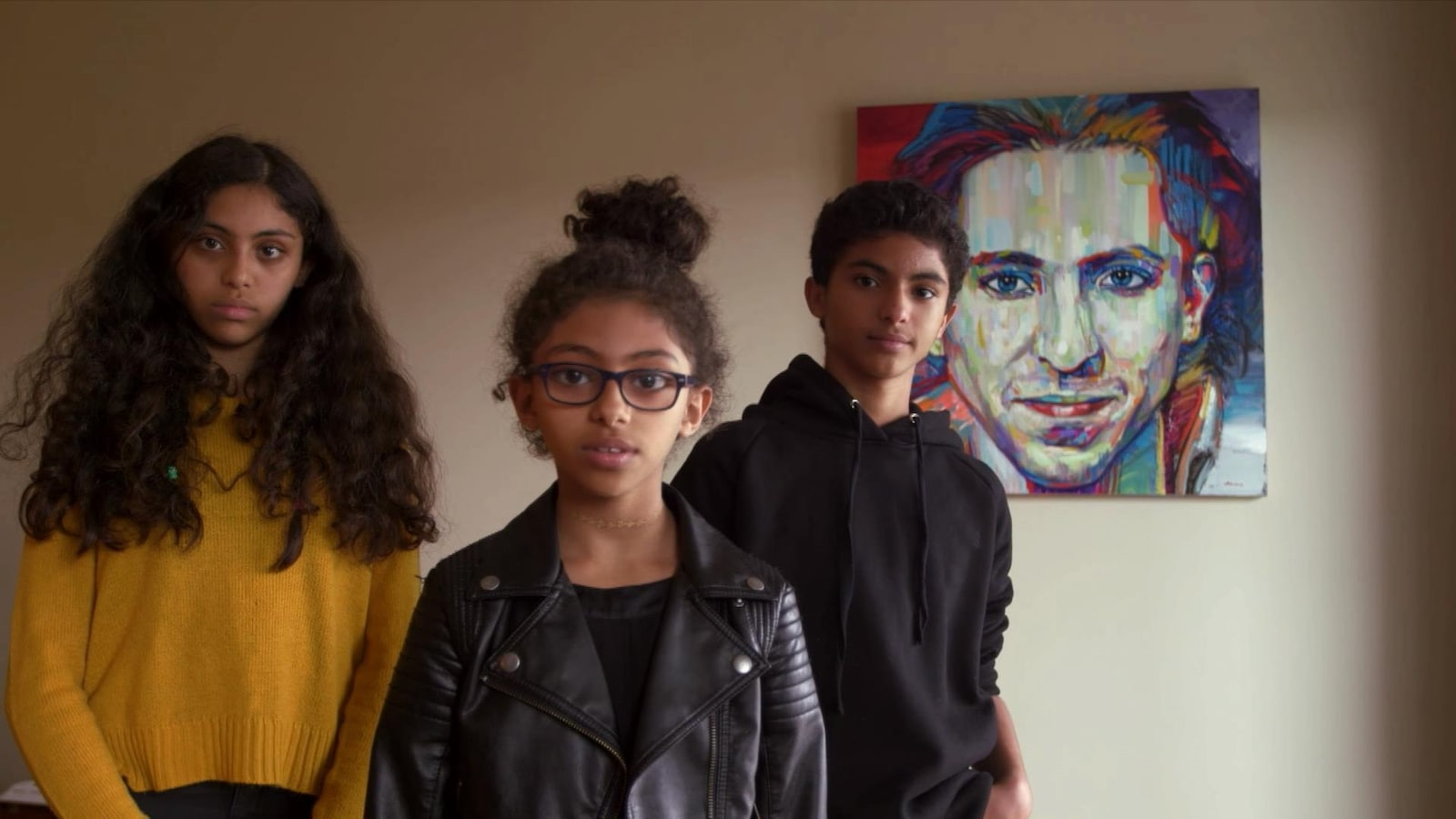 Les trois enfants du blogueur Raif Badawi, emprisonné en Arabie saoudite, réclament du premier ministre Justin Trudeau qu'il accentue les pressions pour faire libérer leur père.