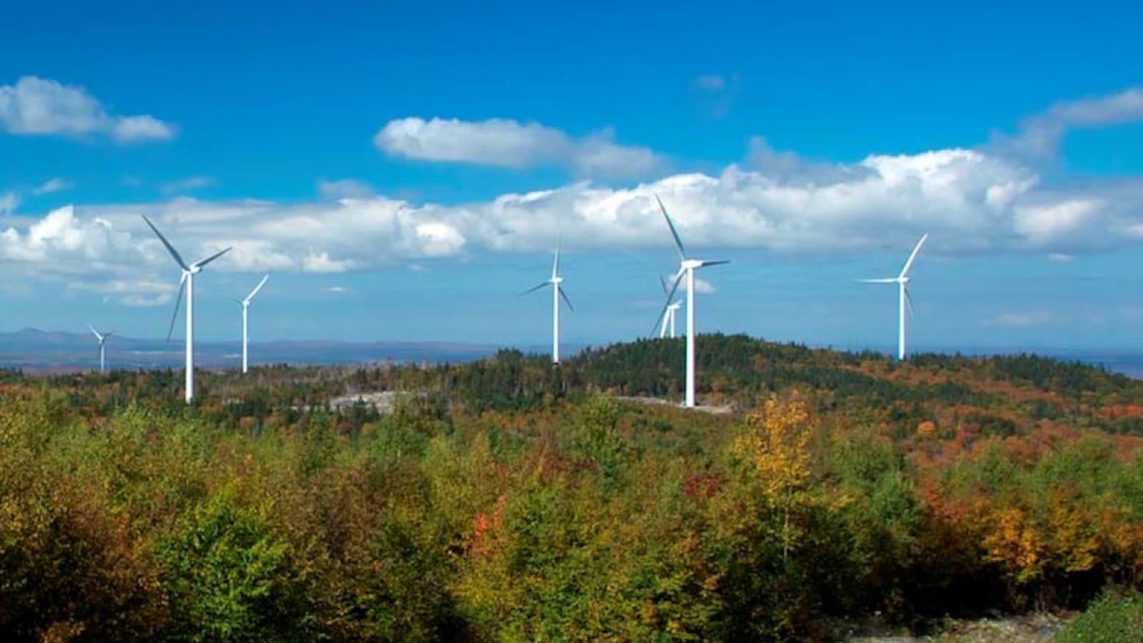 Une partie du parc éolien de Saint-Robert-Bellarmin