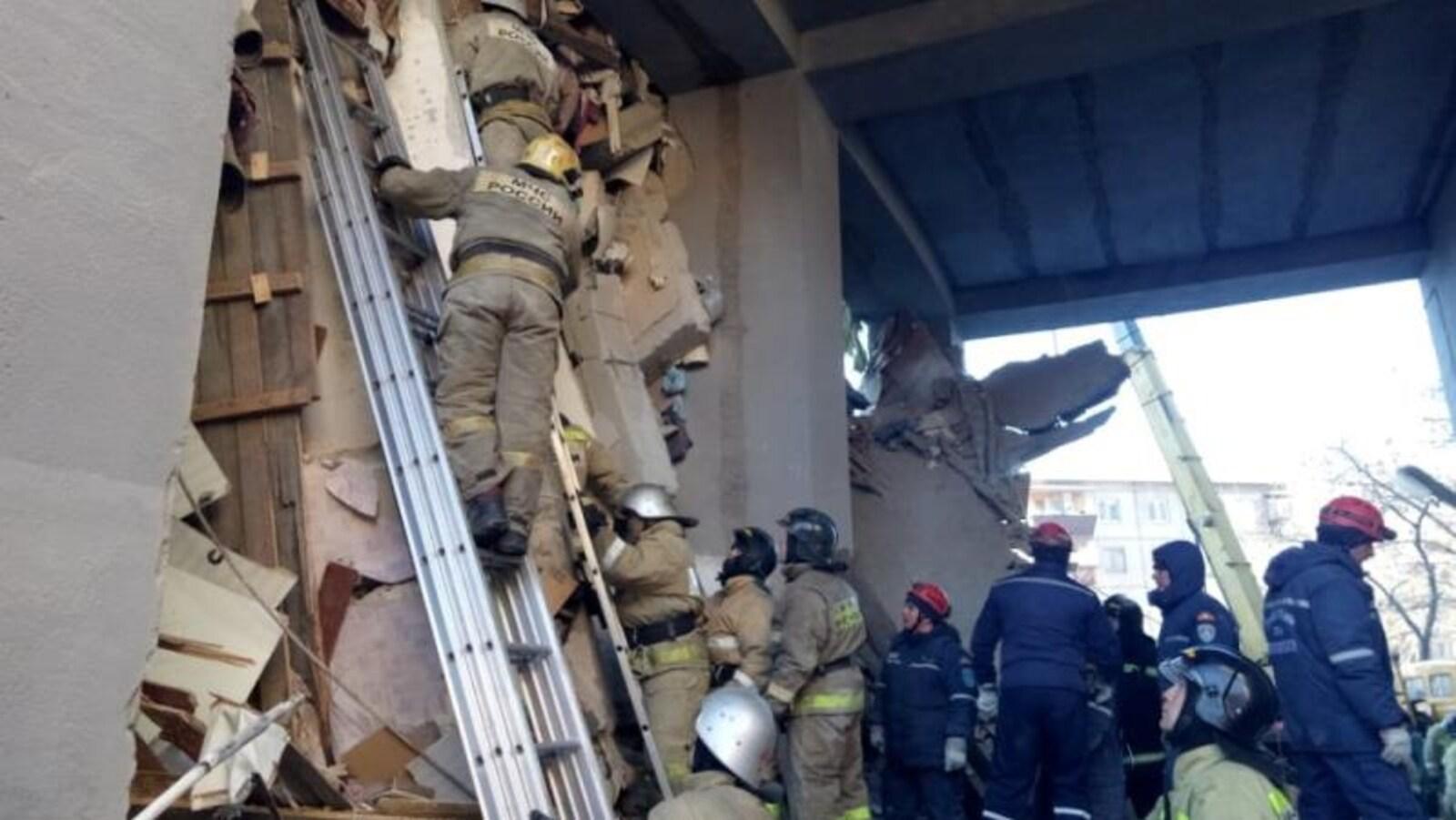 Explosion meurtrière en Russie : les secouristes à la recherche de survivants