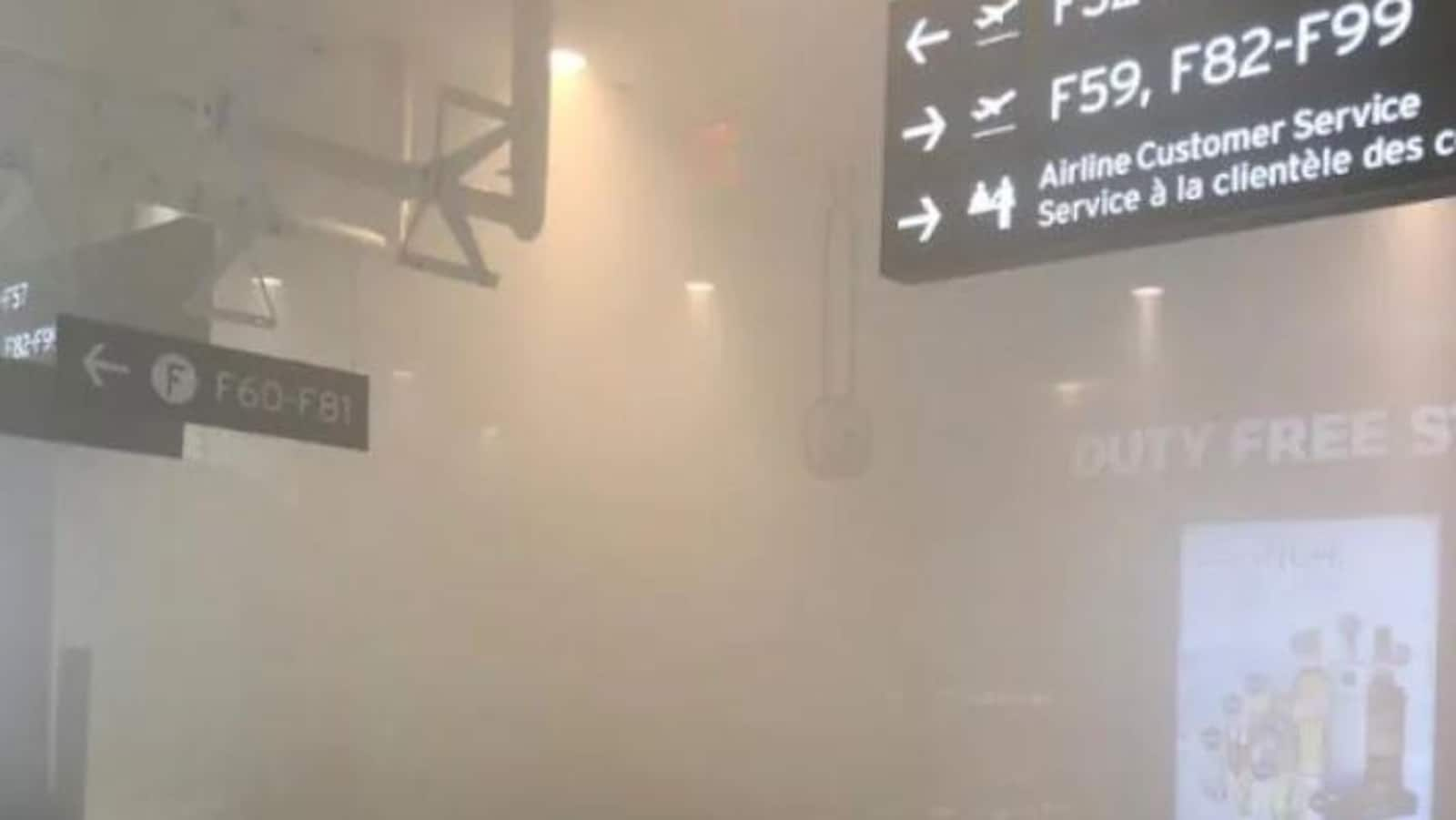 De la fumée dans un terminal d'aéorport