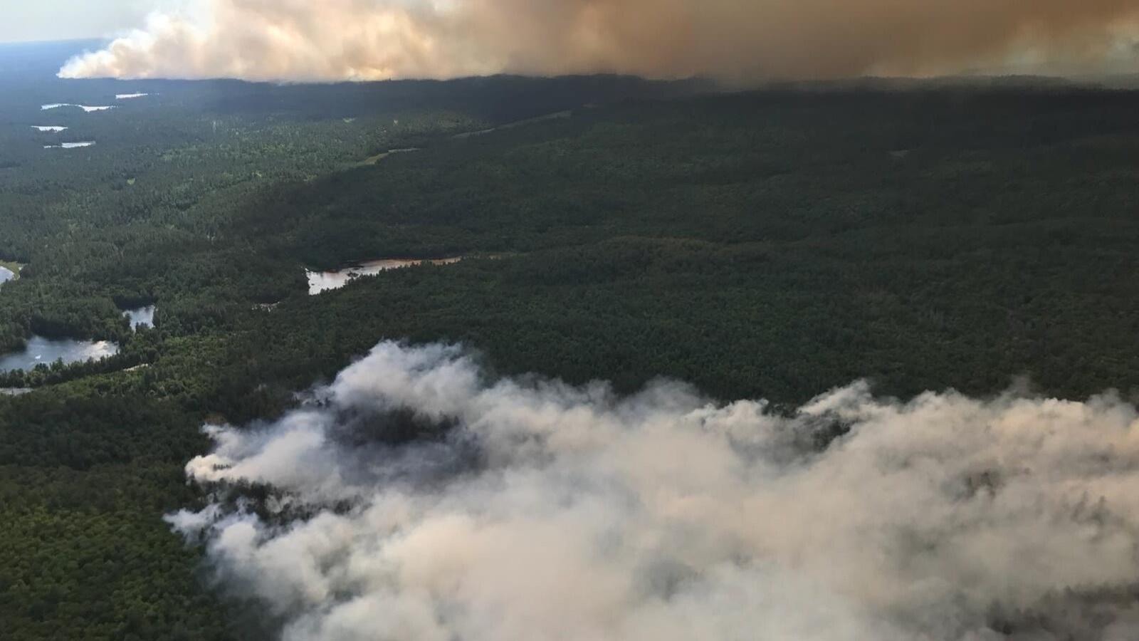 Les feux North Bay 42 et 62 s'étendent sur 400 hectares.
