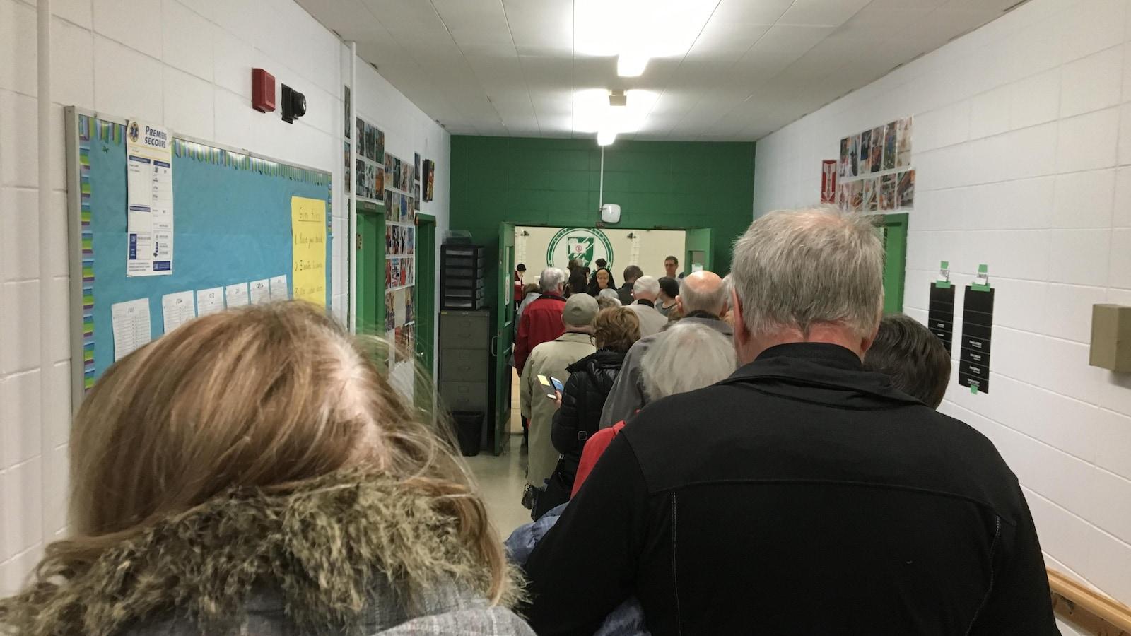 Élections municipales : fermeture des bureaux de vote ici.radio