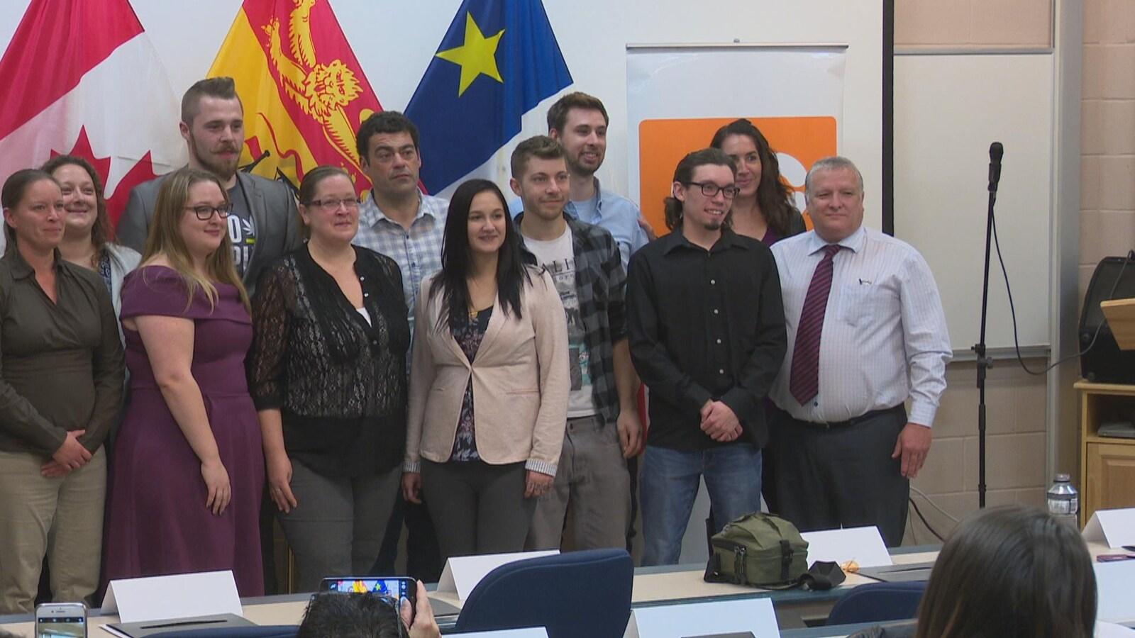 Les premiers finissants du programme de culture du cannabis du Collège communautaire du Nouveau-Brunswick (CCNB).