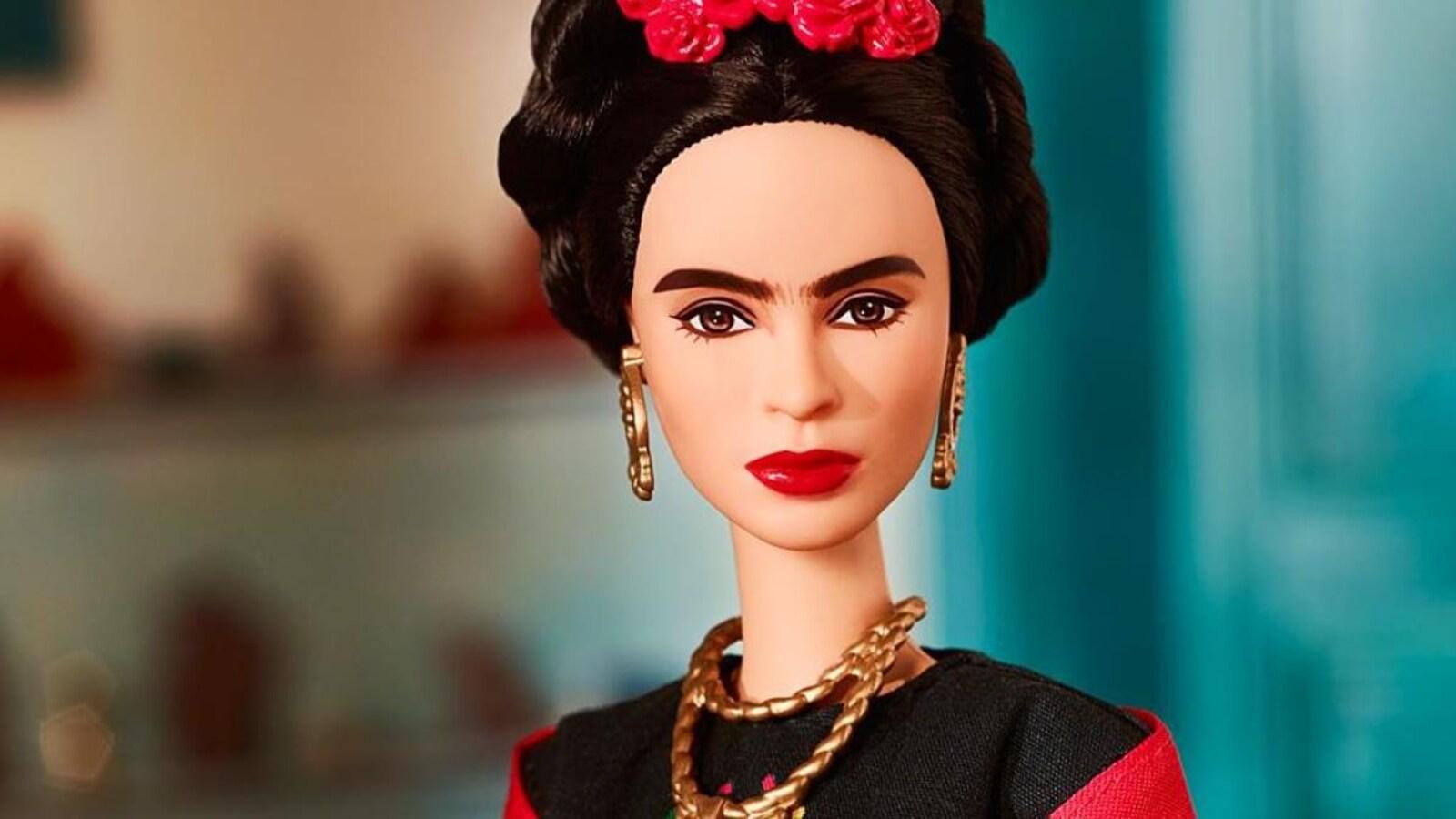 Poupée à l'effigie de Frida Kahlo.