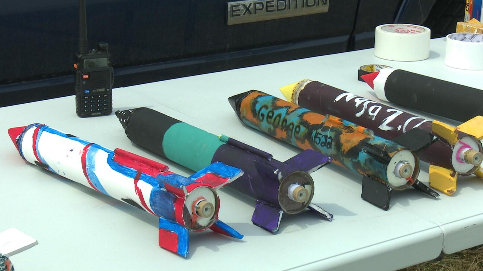 Les fusées confectionnées par les élèves.
