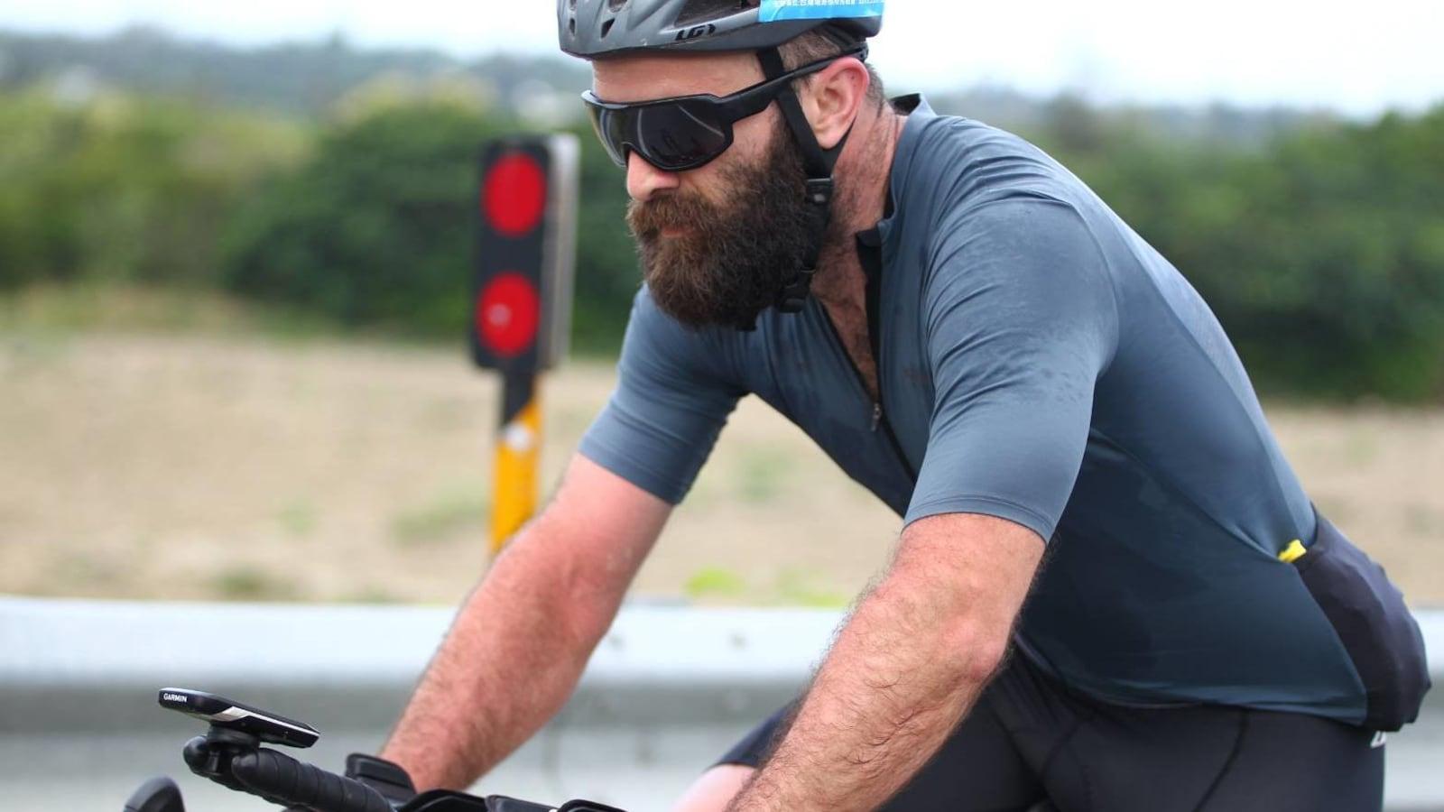 Geoffroy Dussault lors d'une course de 1000 km de vélo en 48 heures à Taïwan.