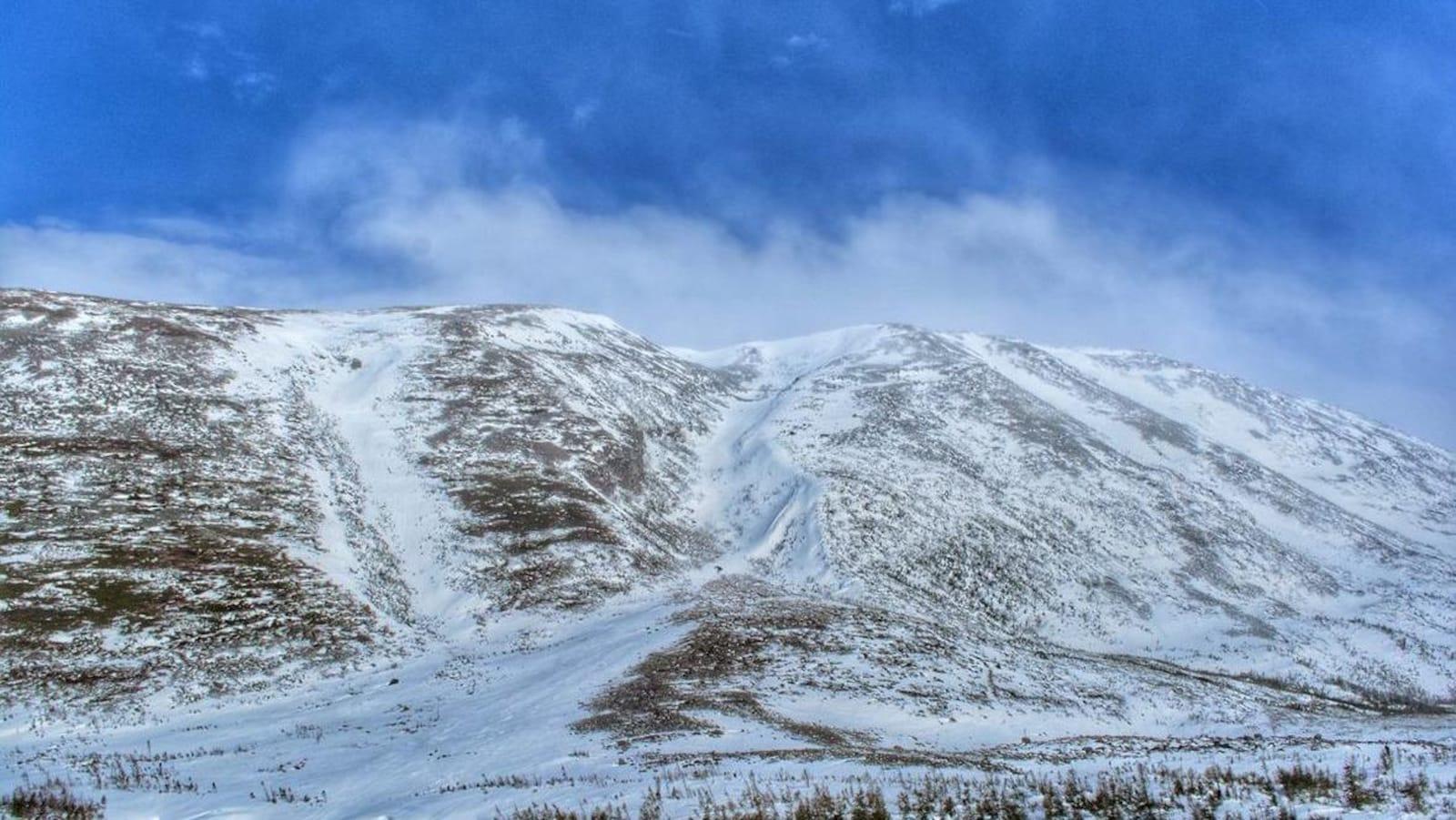 Le mont Gros-Morne enneigé