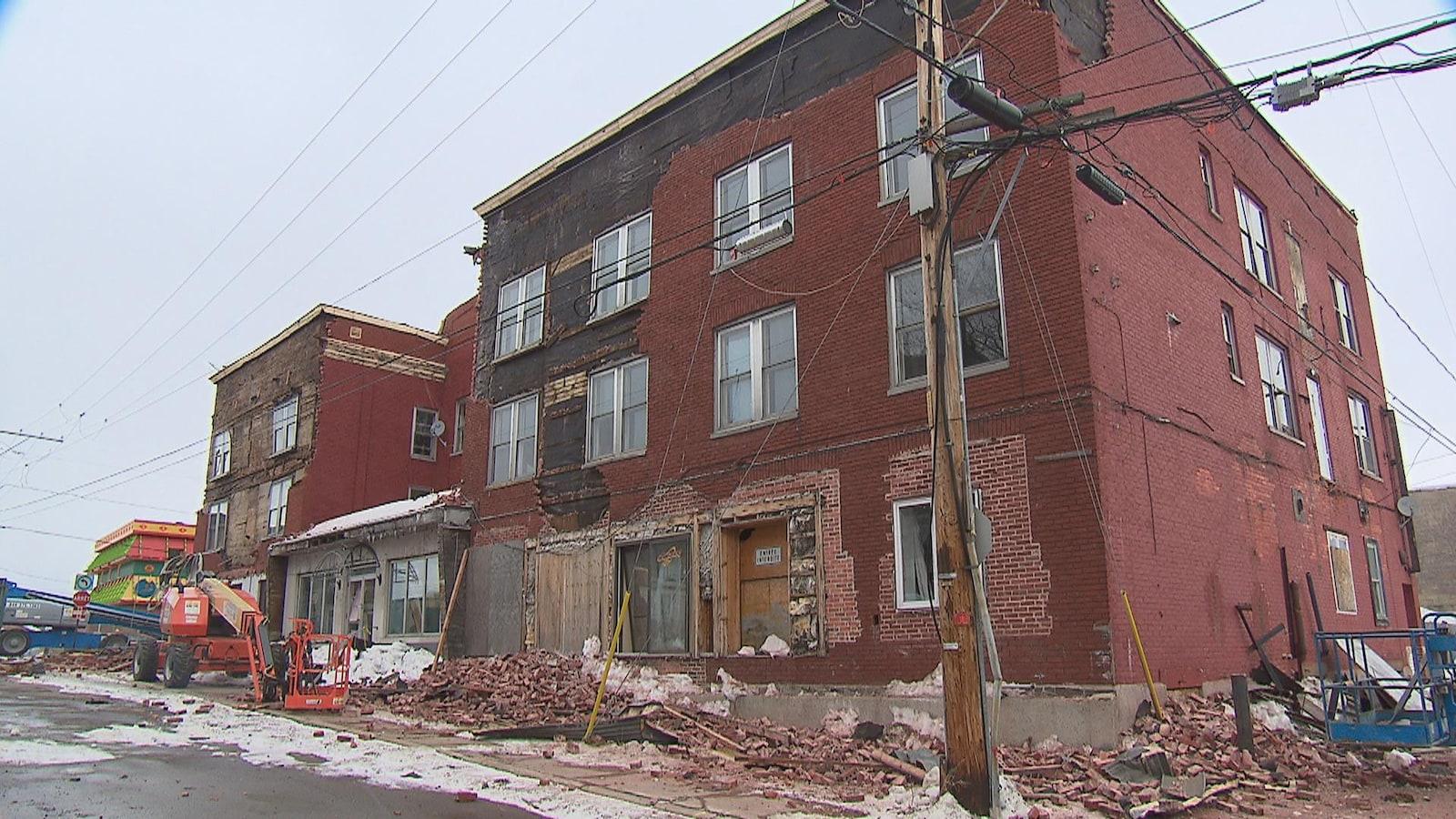 L'ex-hôtel de La Salle en cours de démolition.