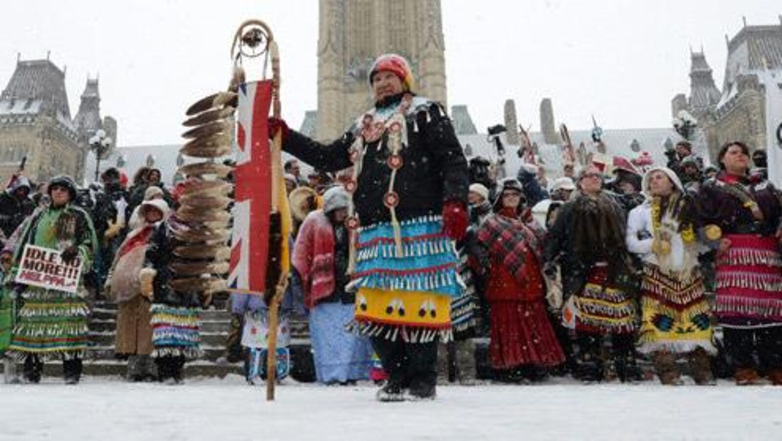 Un groupe de manifestants autochtones.