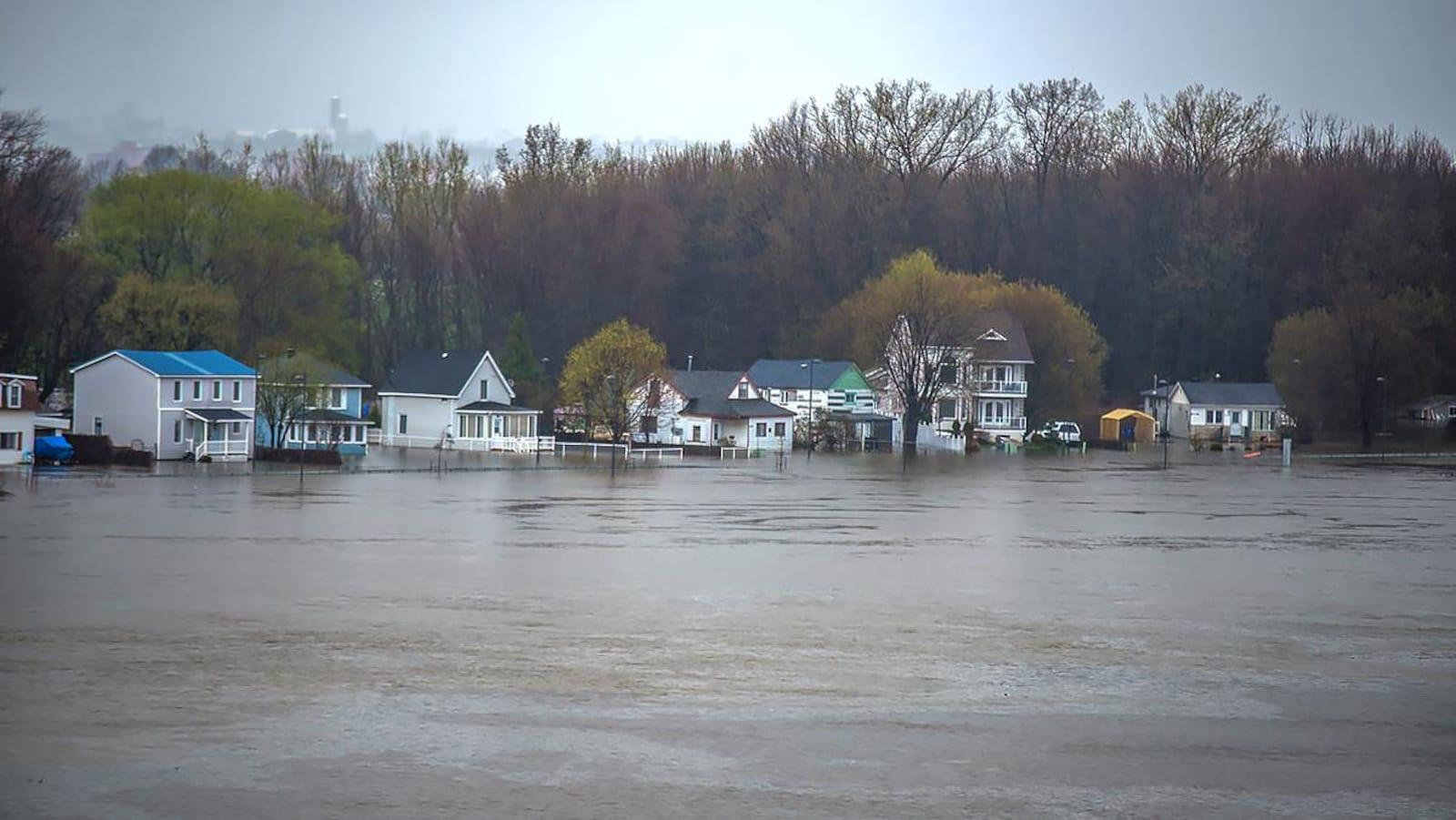 La rue Jacques-Cartier dans le secteur de Gatineau, lors des inondations de mai 2017,