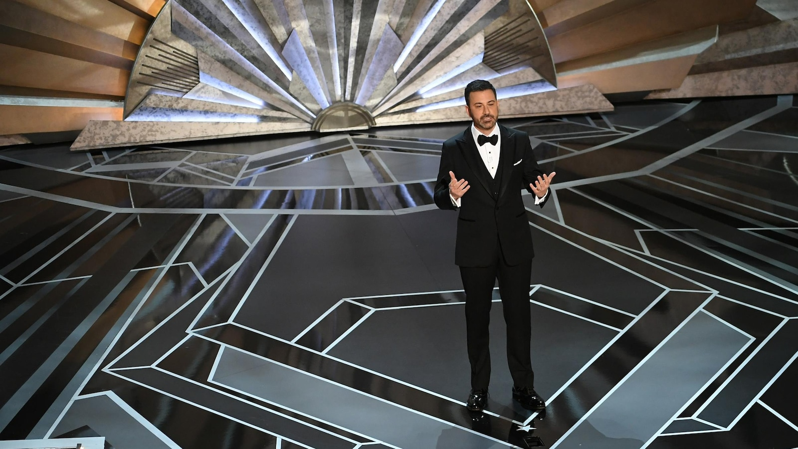 Jimmy Kimmel ouvre la 90e cérémonie des Oscars.