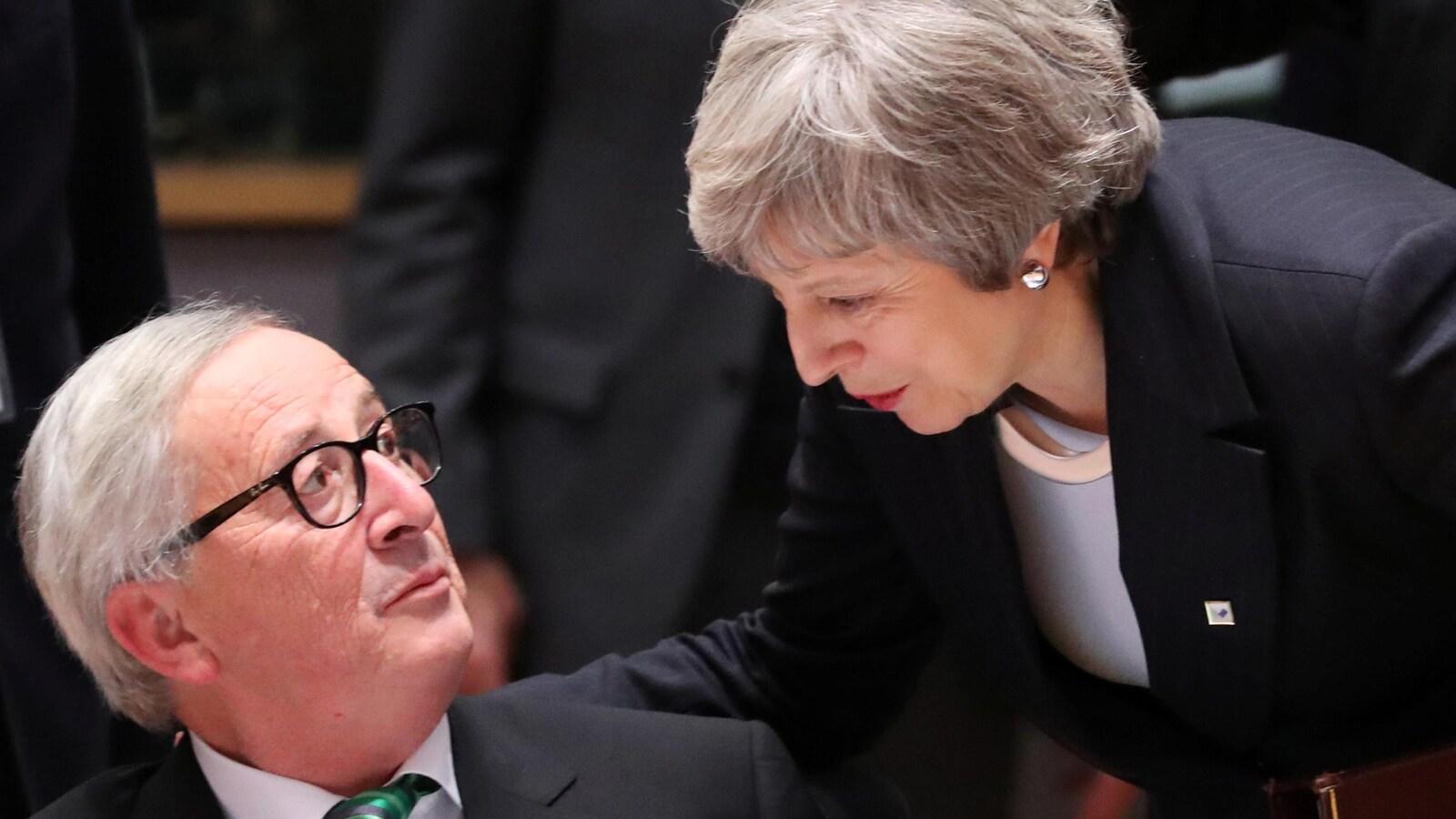 """Le président de la Commission européenne avertit que l'UE va intensifier ses préparatifs en cas de """"no deal"""" concernant le Brexit."""