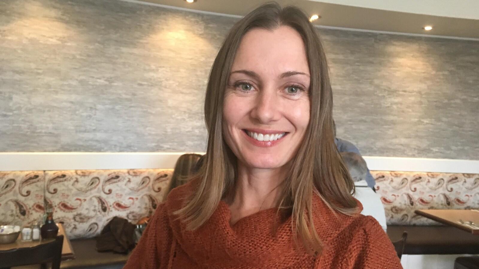 Justine McIntyre, chef du parti Vrai Changement pour Montréal et candidate à la mairie de Pierrefonds-Roxboro