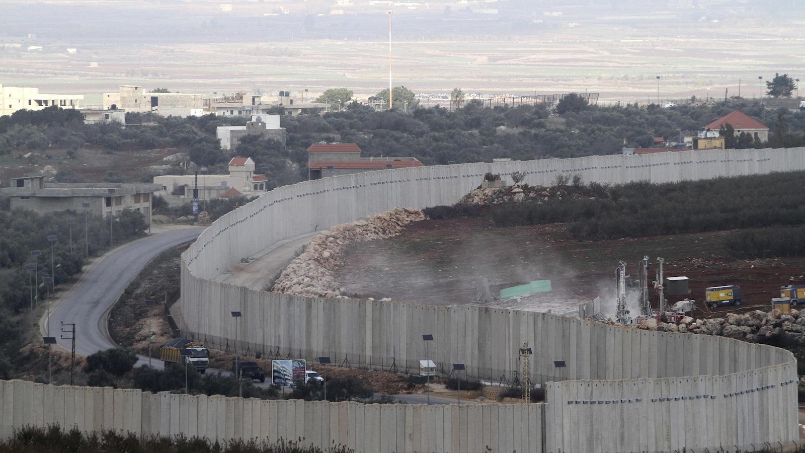 Le mur de séparation entre Israël et le Liban.