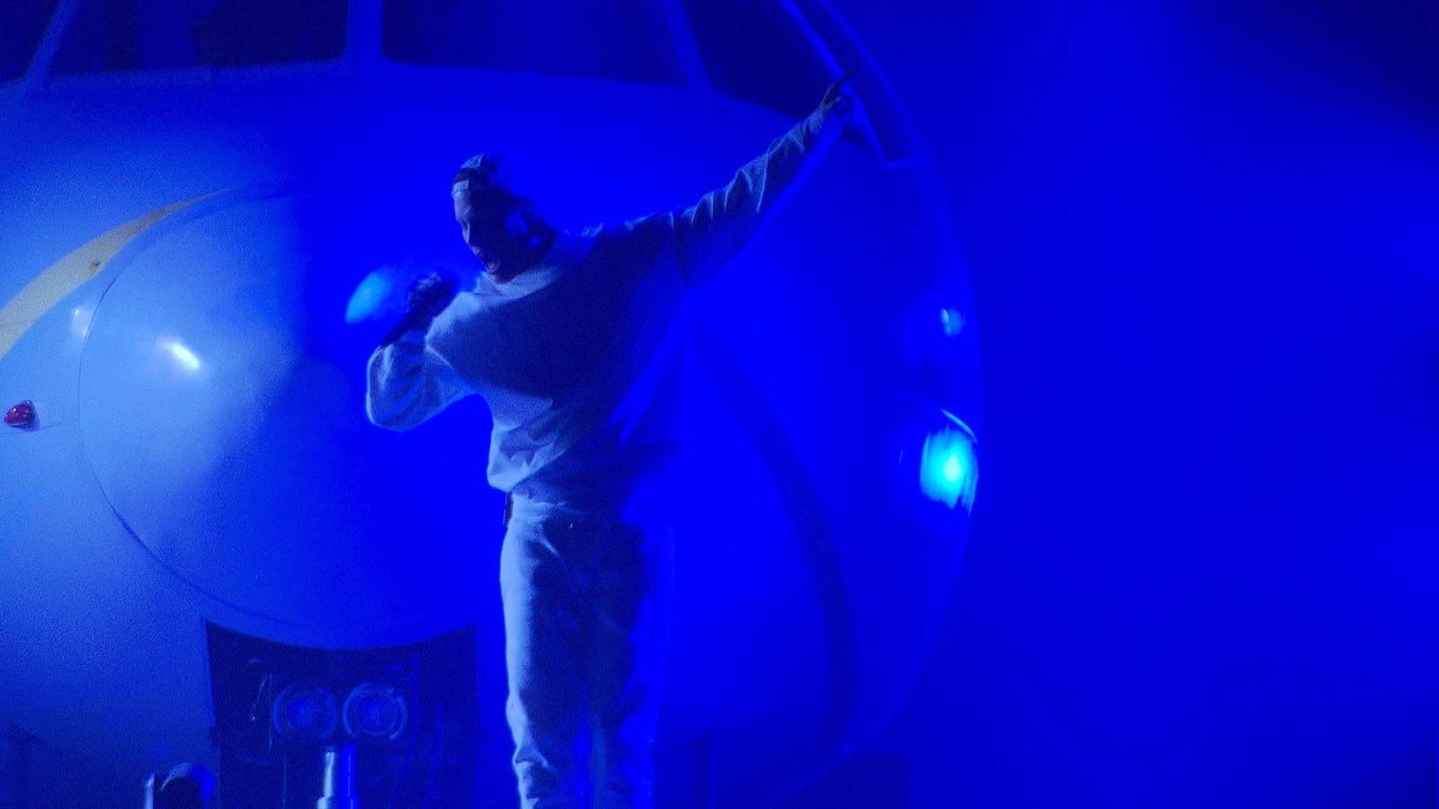 Loud en concert au Centre Bell, devant le nez d'un avion
