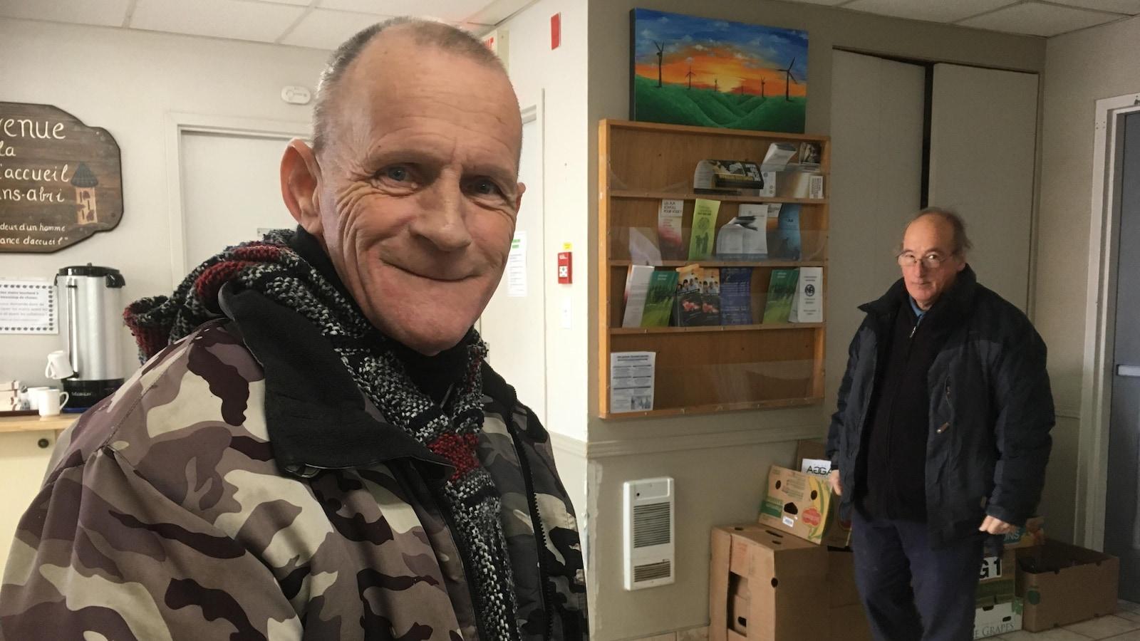 Deux hommes hébergés à la Maison des sans-abri.