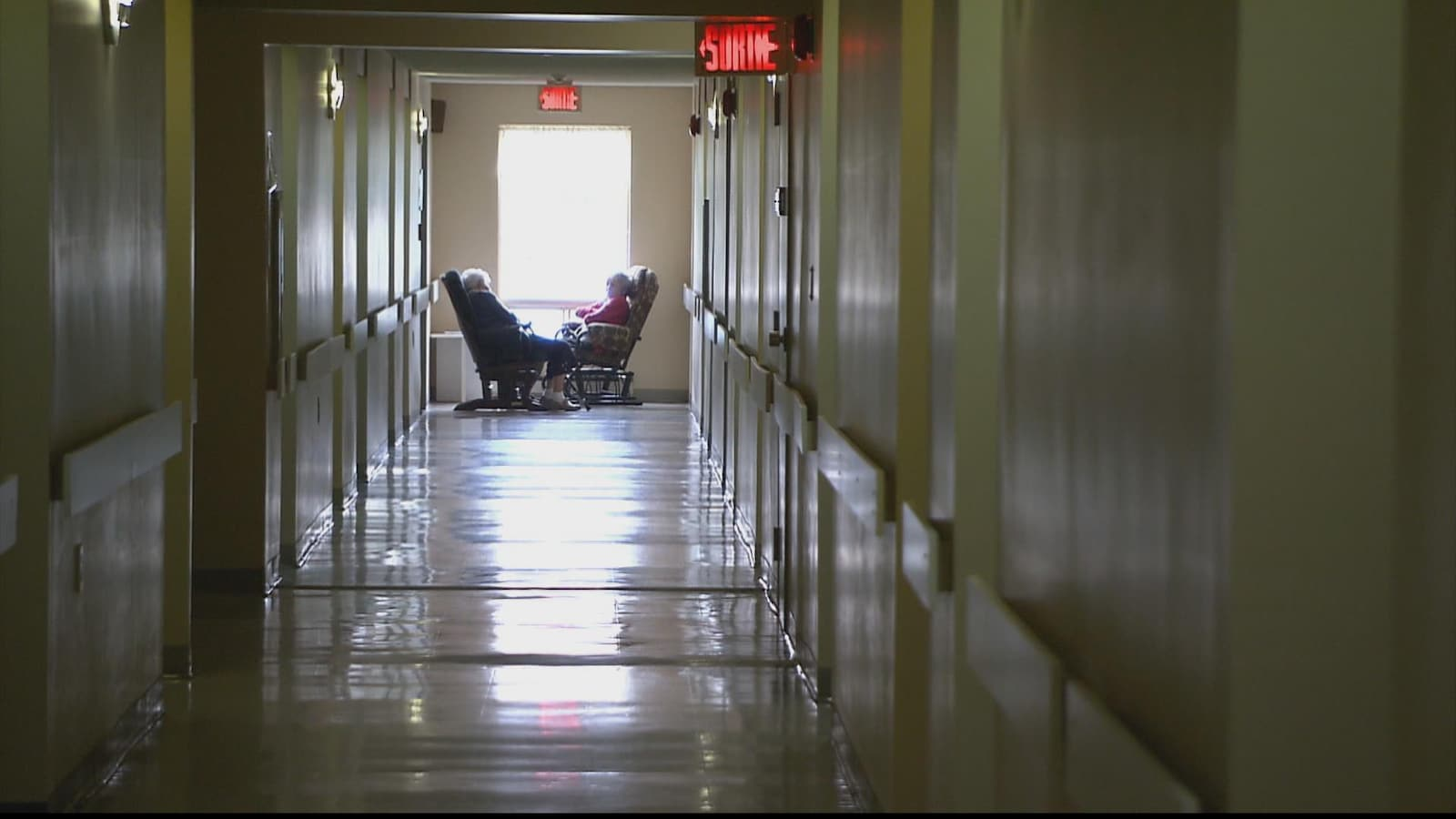 Un couloir dans un établissement de soins longue durée