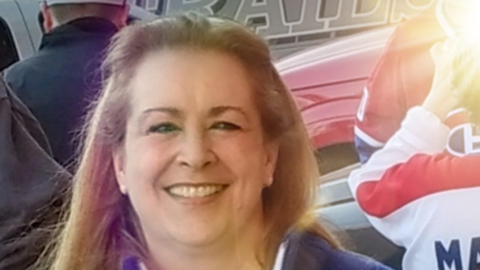 Marie-Guylaine Briand porte un chandail des Canadiens