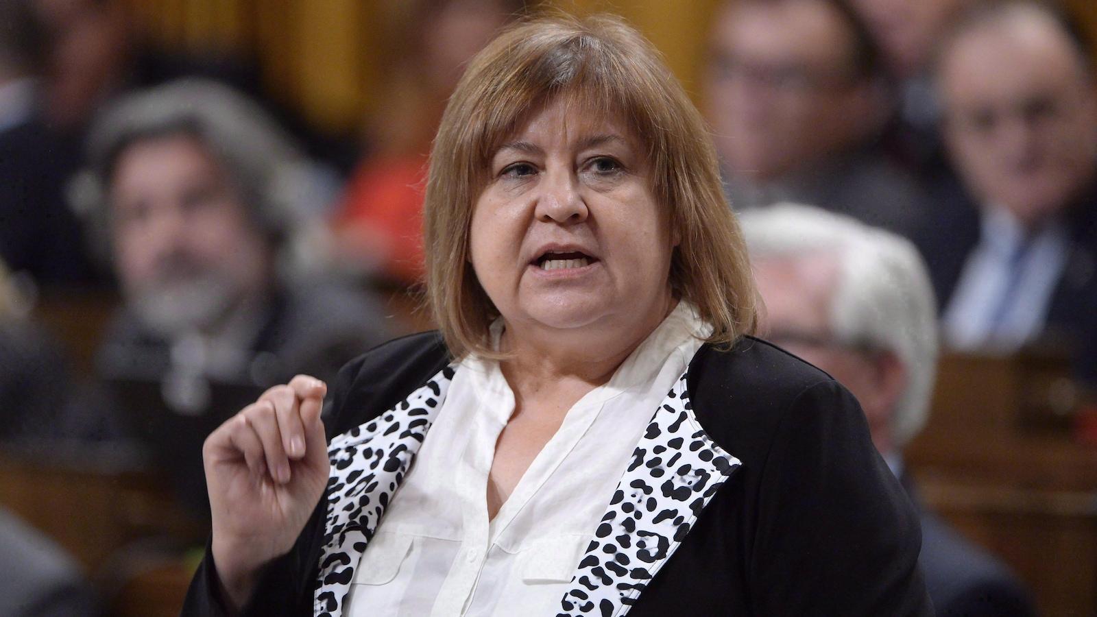 La députée libérale MaryAnn Mihychuk souhaite que les artéfacts autochtones entreposés à Winnipeg ne soient pas déménagés à Gatineau.