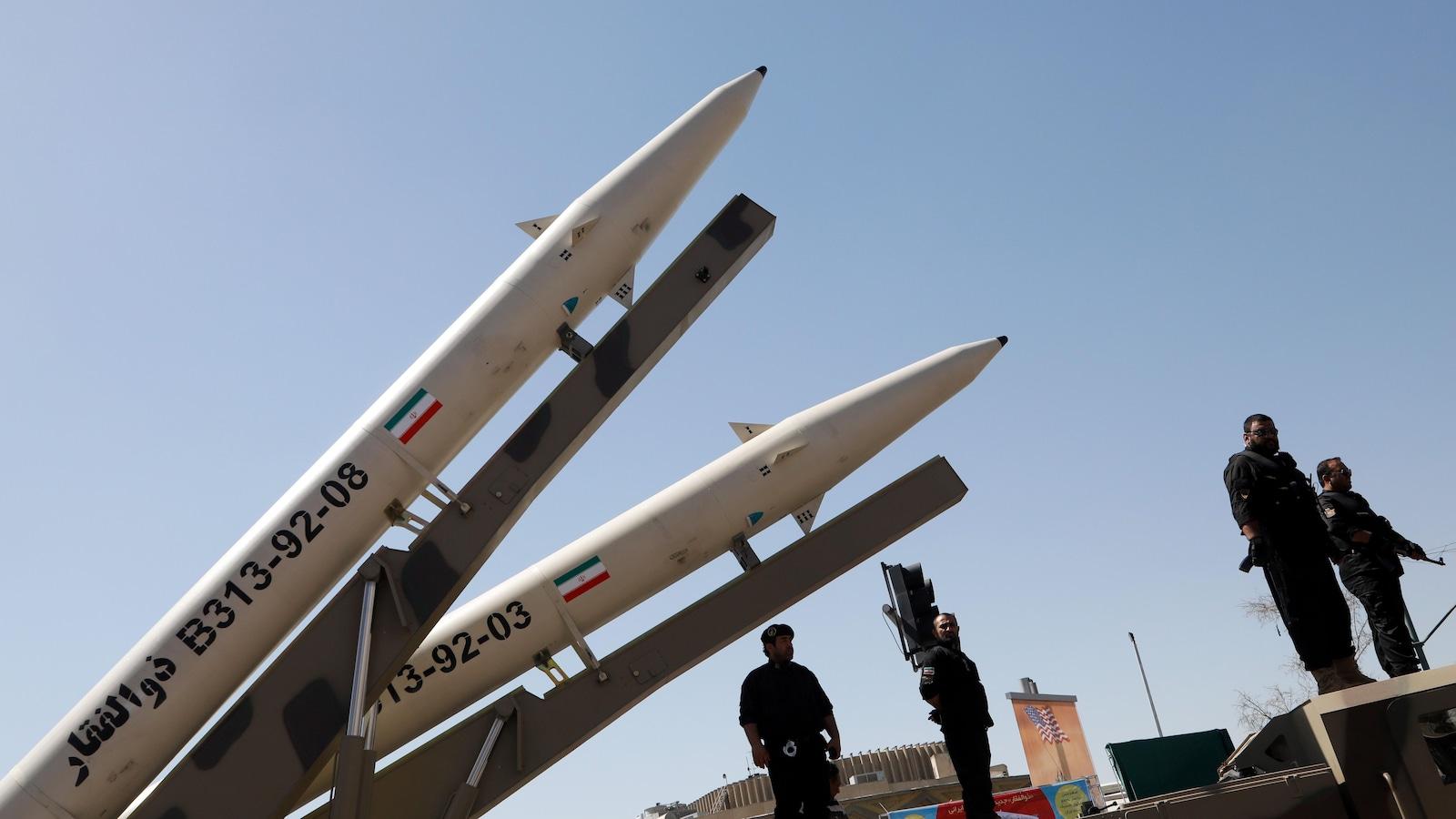 Deux missiles.