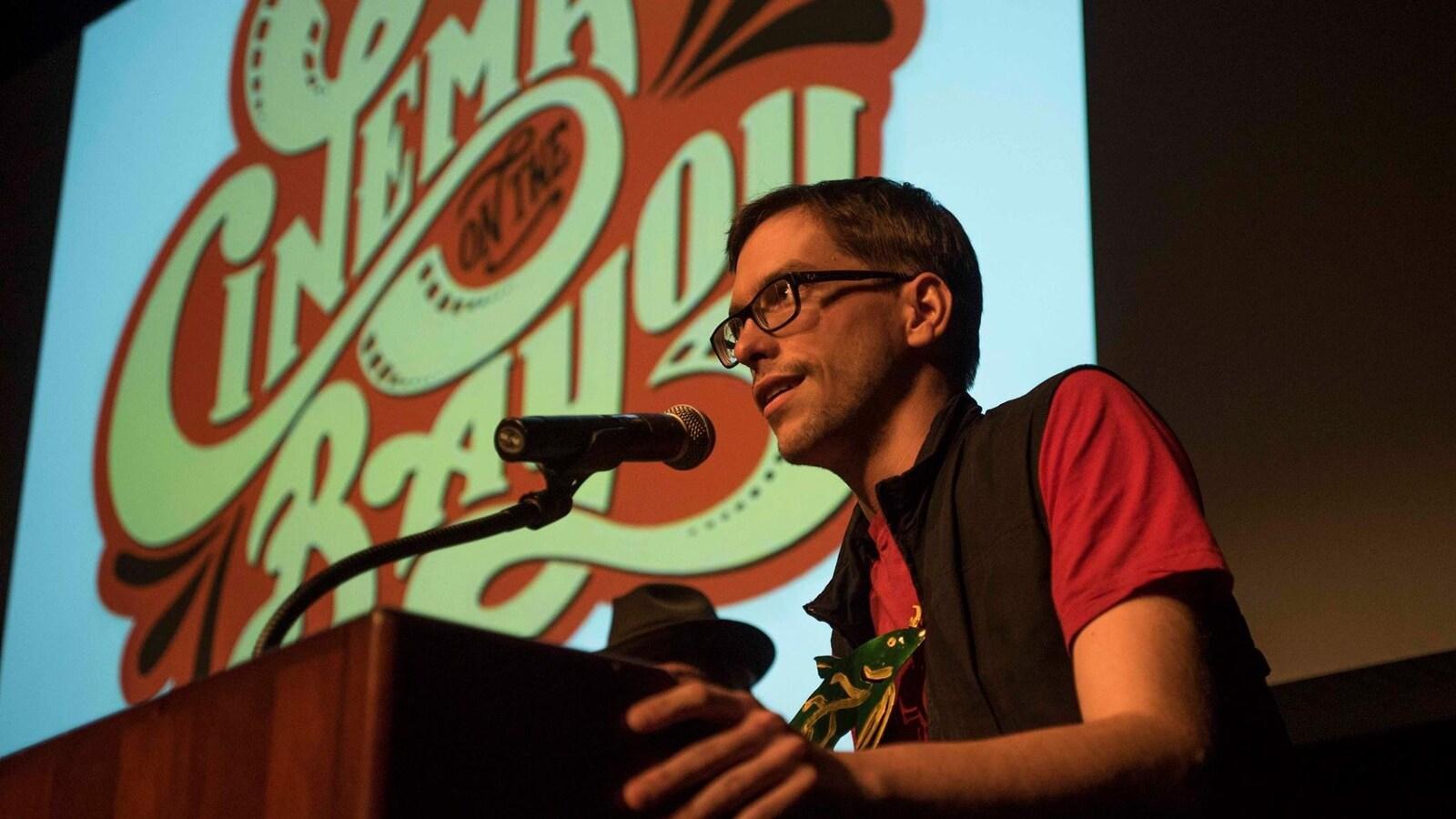 s'est vu décerner le prix du meilleur court-métrage documentaire avec Lespouère.