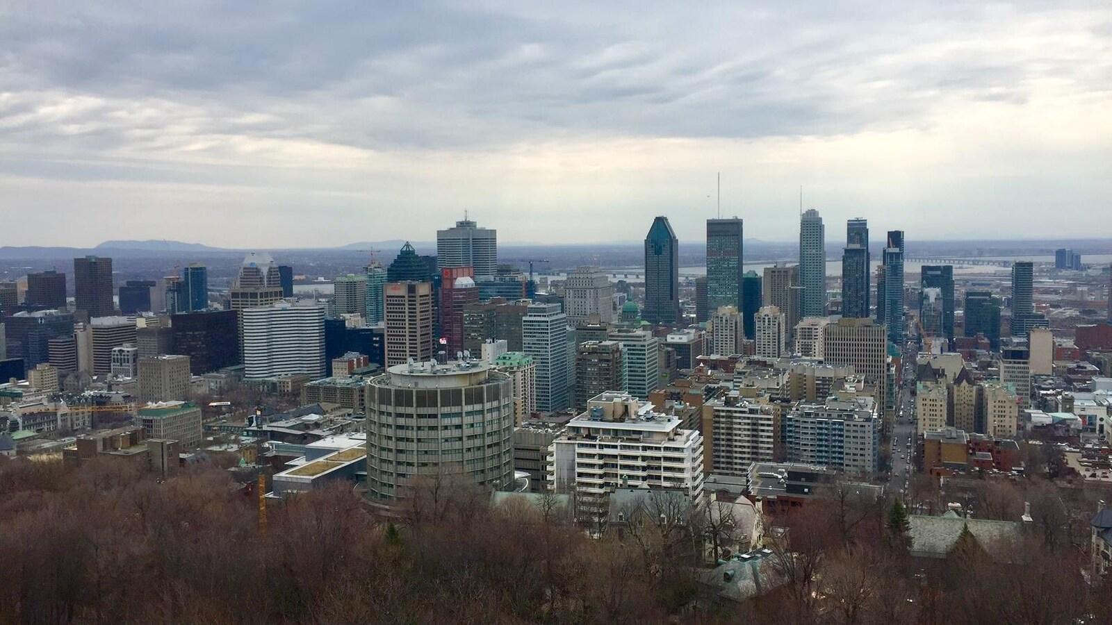 Le centre-ville de Montréal, vu du sommet du mont Royal