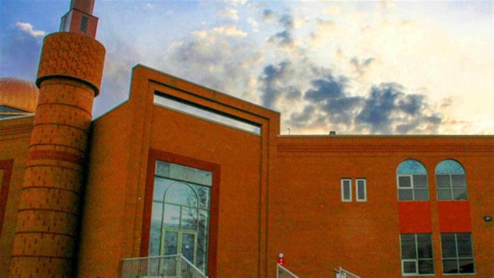 La Mosquée Al-Quba de Brossard, la plus importante du Québec.