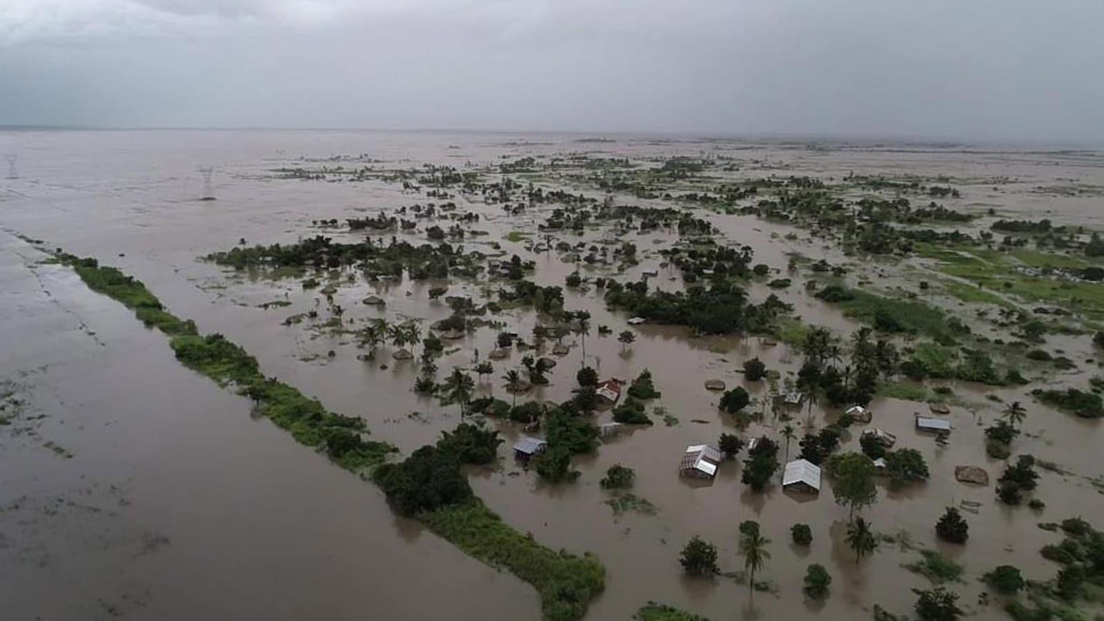 Vue aérienne de terres inondées au Mozambique.