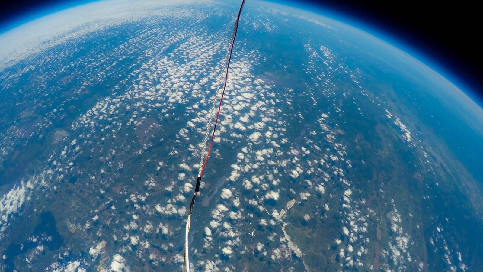 Vue aérienne d'une sonde lancée par le groupe Nanikana-Aérospace.