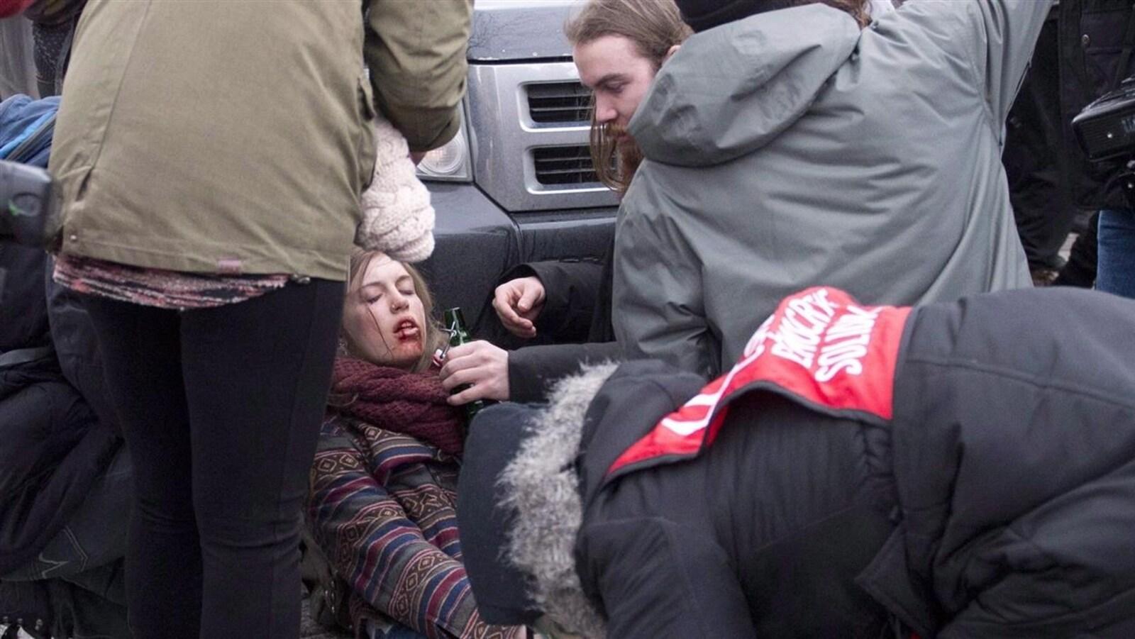 Naomie Tremblay-Trudeau a été blessé par le tir d'une bonbonne de gaz lacrymogène du policier Charles-Scott Simard le 26 mars 2015.