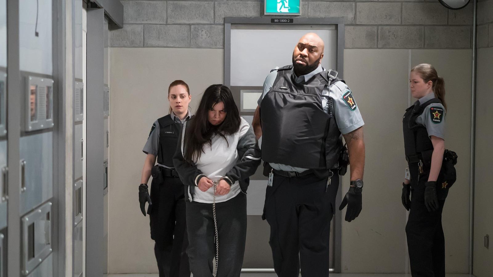 Le personnage joué par Natasha Kanapé Fontaine, Eyota Standing Bear, dans « Unité 9 »